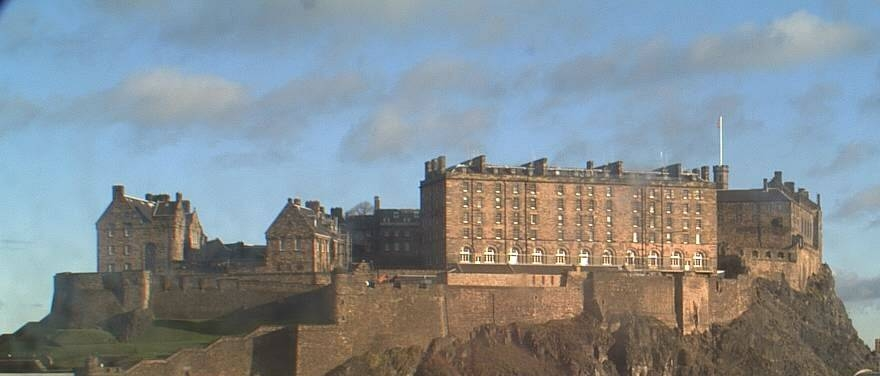Enjoy a wonderful view of Edinburgh Castle from our Castle view rooms